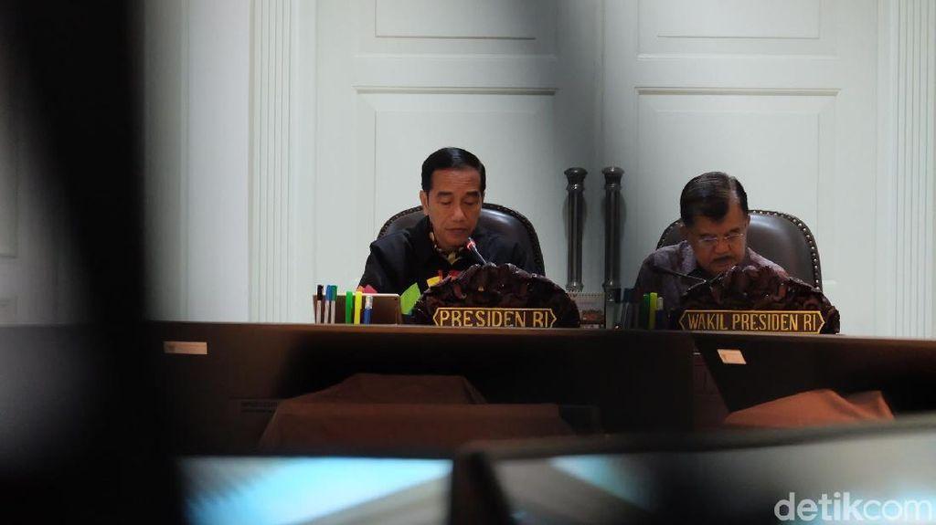 Jokowi Minta Sri Mulyani Sunat Belanja Barang K/L