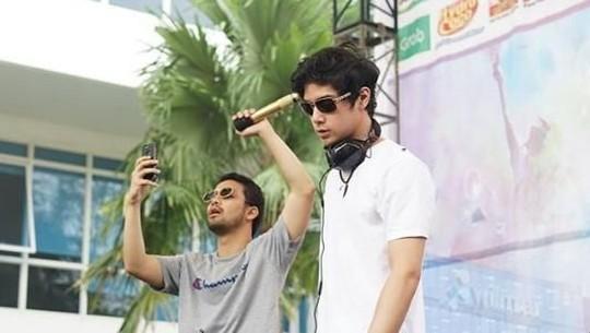 Melihat Penampilan Al Ghazali saat Nge-DJ