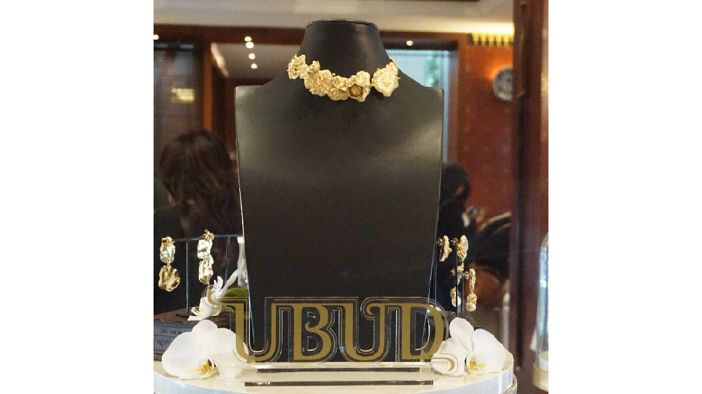Pesona Ubud di Perhiasan Klasik Karya Happy Salma dan Dewi Sri