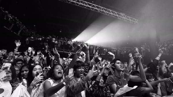 Begini Serunya Konser Dua Lipa di Malaysia