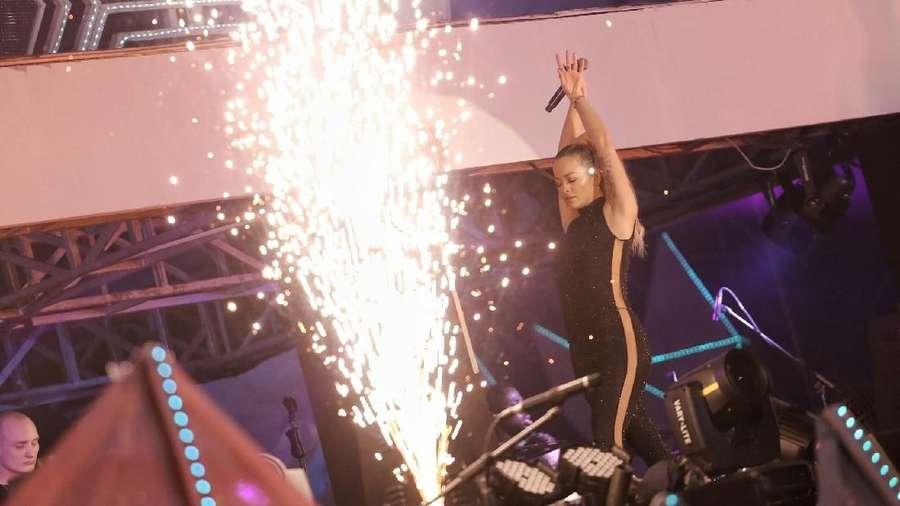 Aksi Energik Rita Ora di SHVR Ground Festival 2018