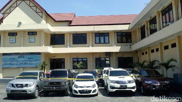 Mobil sitaan KPK dititipkan di Polres Mojokerto