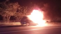 Mobil Terbakar di Ruas Tol Purbaleunyi