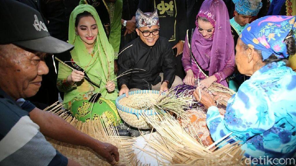Asyiknya Rekreasi dan Belanja Kerajinan di Festival Bambu Banyuwangi