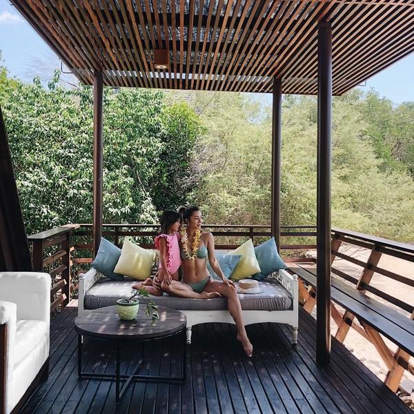 Tinggal di Bali, tentunya jadi waktu bagi Jennifer Bachdim untuk liburan bersama suami ke kedua buah hatinya. Yang terbaru, Jennifer baru saja liburan ke Pulau Menjangan di Bali Barat (jenniferbachdim/Instagram)