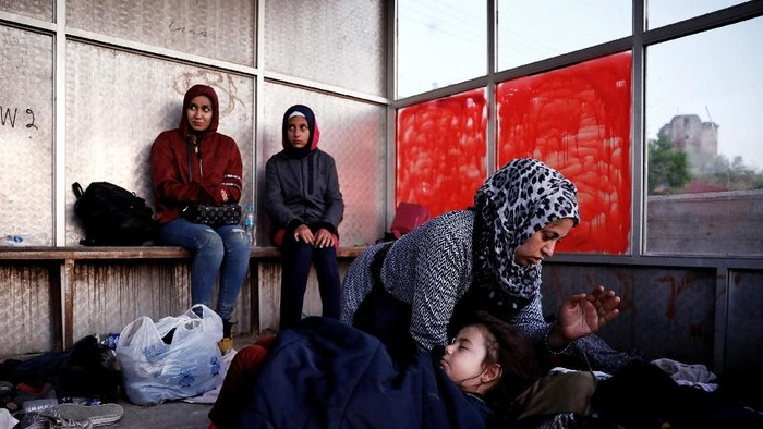 Perjuangan para imigran Suriah untuk hidup aman tanpa perang masih panjang. Setelah negara Turki kini mereka harus berjalan hingga Yunani demi hidup lebih baik.