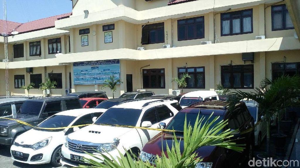 KPK Sita 15 Mobil dari Showroom Milik Kolega Bupati Mojokerto