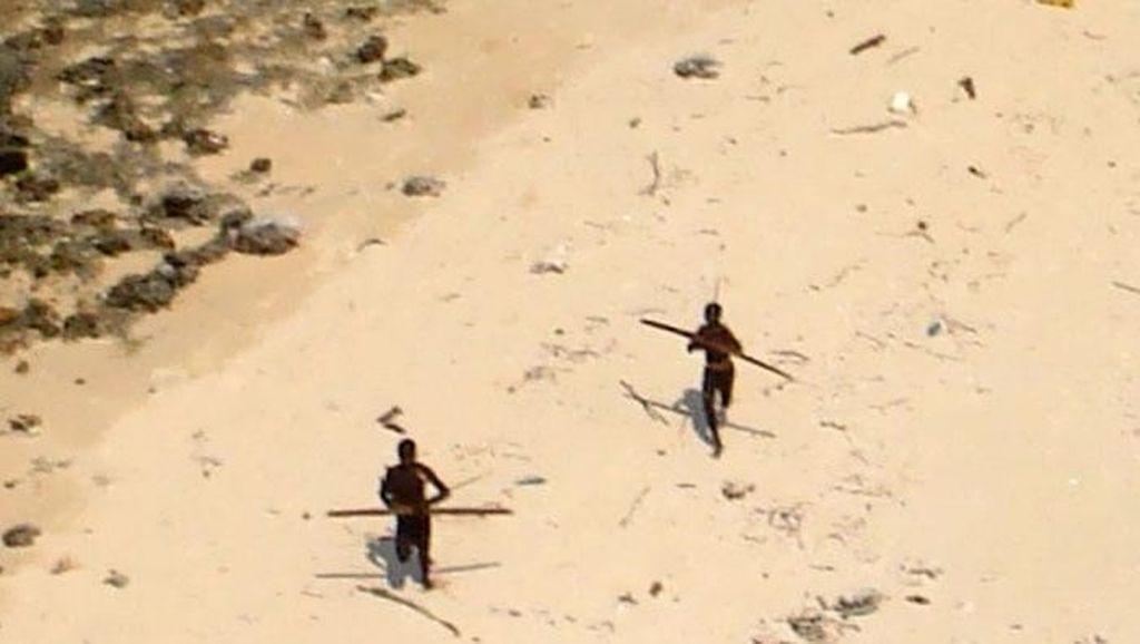 Potret Suku Misterius di Pulau yang Perawan 60 Ribu Tahun
