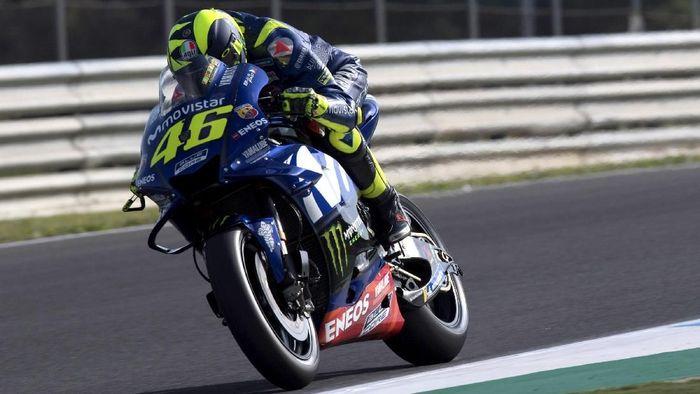 Valentino Rossi kesulitan dalam latihan bebas di Jerez. (Foto: Mirco Lazzari gp/Getty Images)