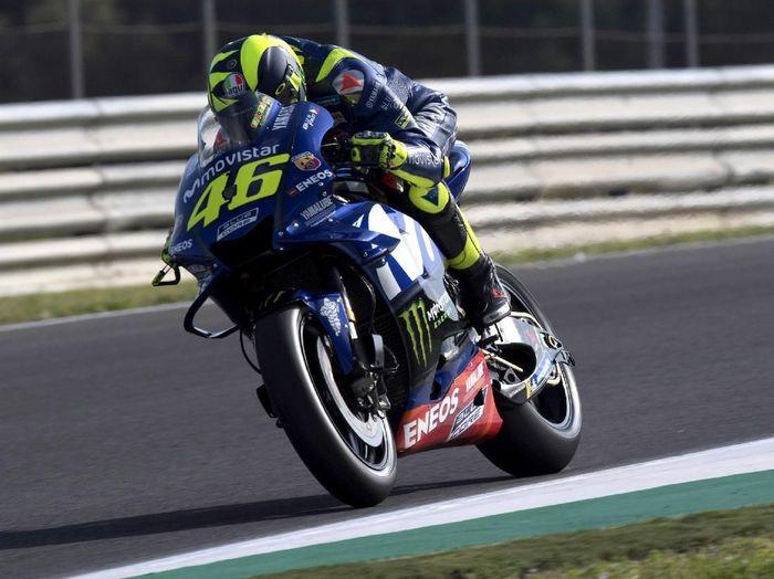 Valentino Rossi meminta Yamaha mempercepat upgrade motor karena dia sudah dikejar usia (Mirco Lazzari gp/Getty Images)
