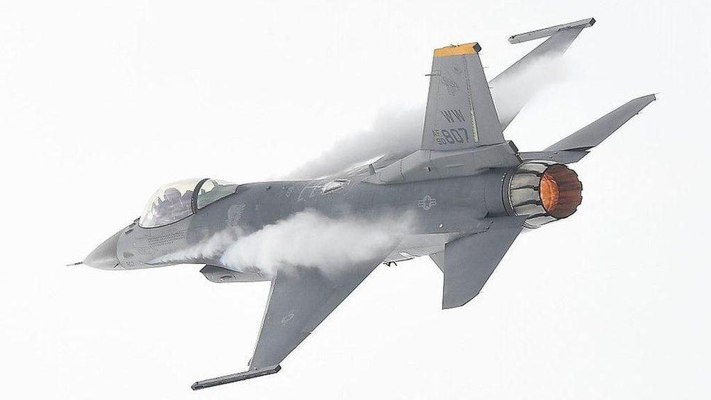 Pentagon Protes ke China Atas Serangan Sinar Laser ke Pilot AS