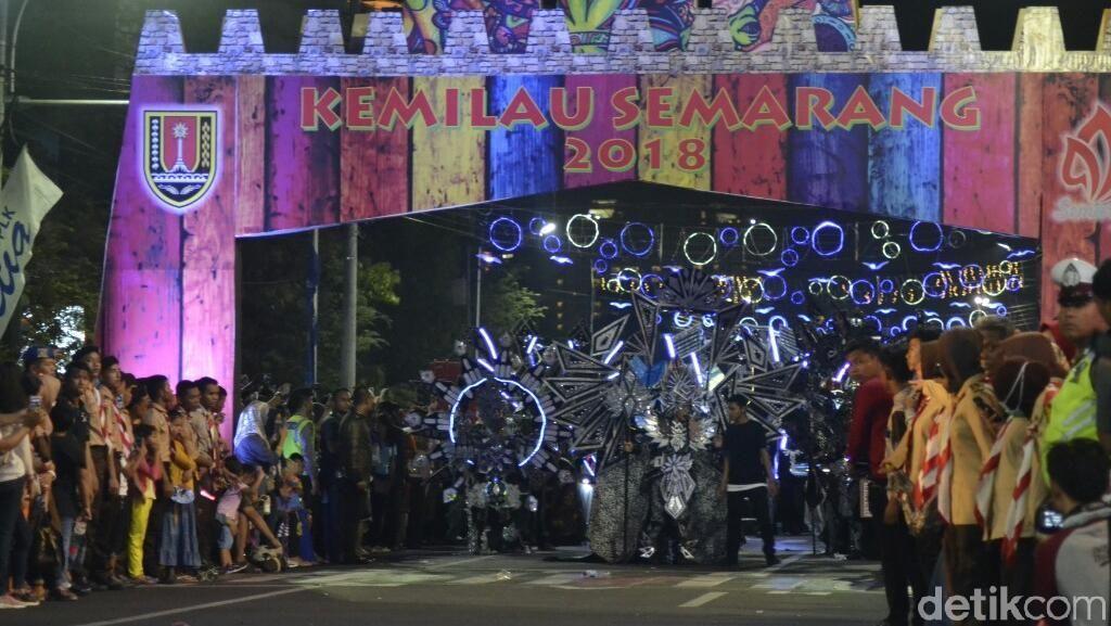 Gemerlap Kostum Semarang Night Carnival 2018