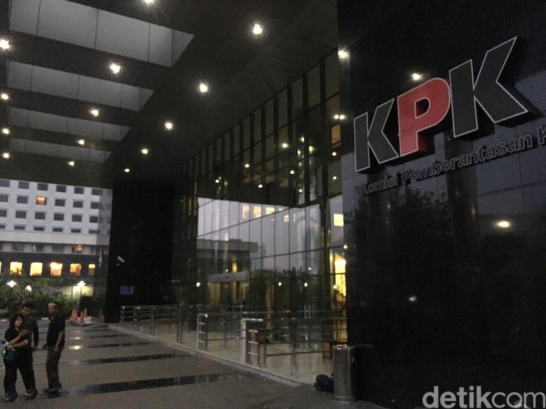 Ott Kpk Hari Ini Di Surabaya Detail: KPK OTT Bupati Pakpak Bharat