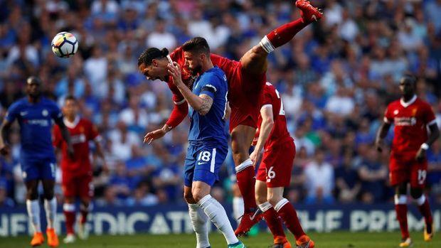 Liverpool dan Chelsea bersaing memperebutkan posisi keempat.