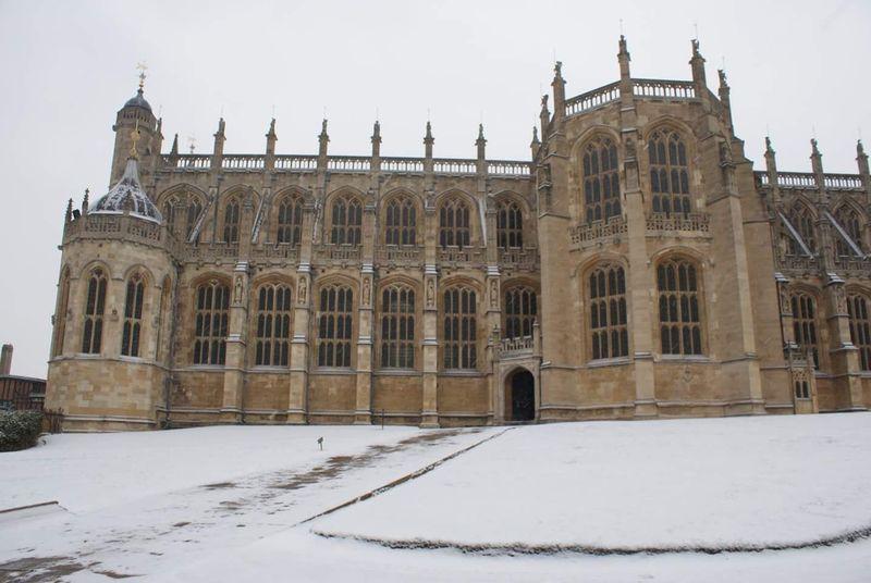 Inilah St Georges Chapel Windsor, Gereja yang direncanakan menjadi saksi tempat Pangeran Harry dan Meghan Markle menikah (St Georges Windsor/Facebook)