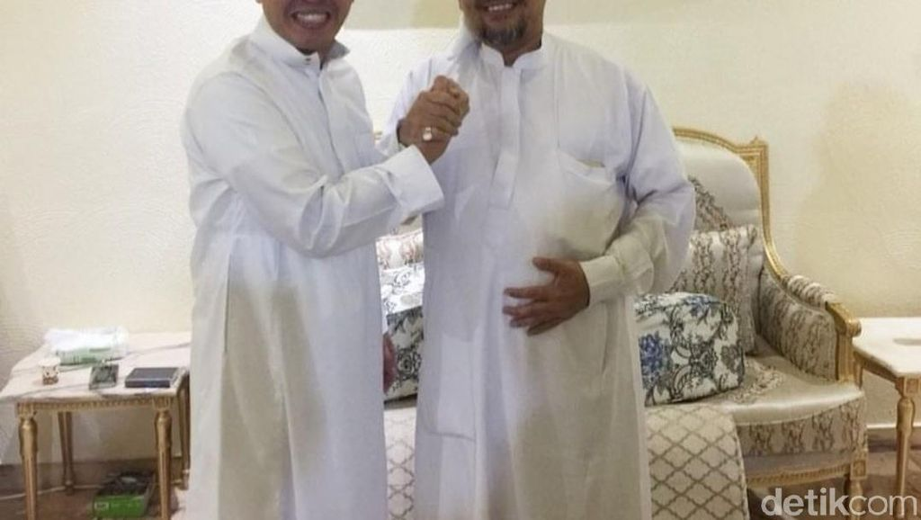 Bertemu Habib Rizieq di Makkah, Eko Patrio: Kangen-kangenan