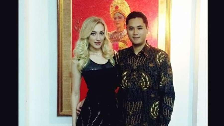 Momen Mesra Panji Trihatmodjo dan Varsha Strauss Jelang Nikah