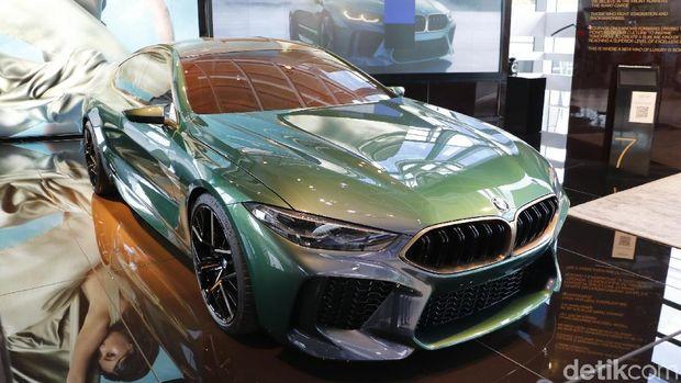 Mobil konsep BMW M8 Gran Coupe dipamerkan di BMW Welt