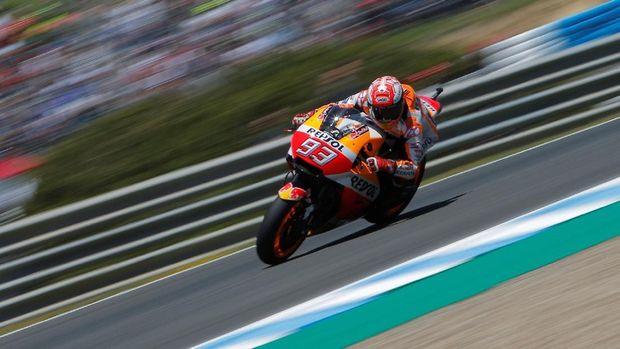 Marc Marquez mampu mempertahankan posisi pertama hingga 10 lap jelang finis.