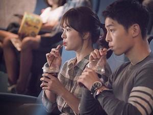 <i>So Sweet</i>! Kata Song Joong Ki soal Setahun Nikahi Song Hye Kyo