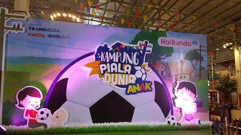Seru! Saat Anak-anak Berlomba di Kampung Piala Dunia Anak/ Foto: Amelia Sewaka