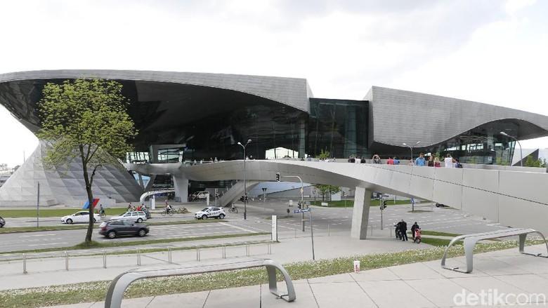 BMW Welt di kota Munich (Foto: Dadan Kuswaraharja)
