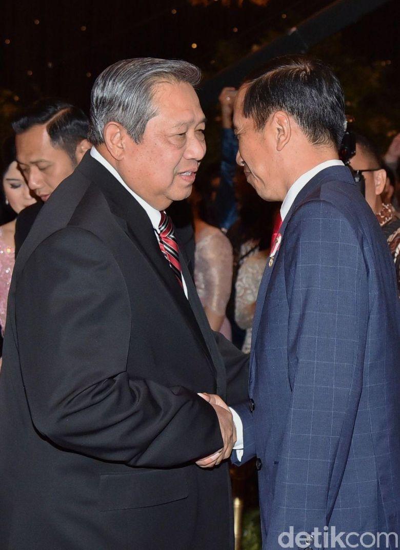 Momen Hangat Pertemuan Jokowi SBY di Pernikahan Anak Komjen Putut
