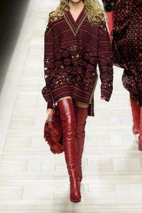 Gaya Jessica Iskandar Pakai Boots Merah Rp 22 Juta Nonton Konser Bruno Mars