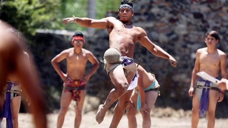 Uniknya Lomba Sepak Takraw Ala Meksiko