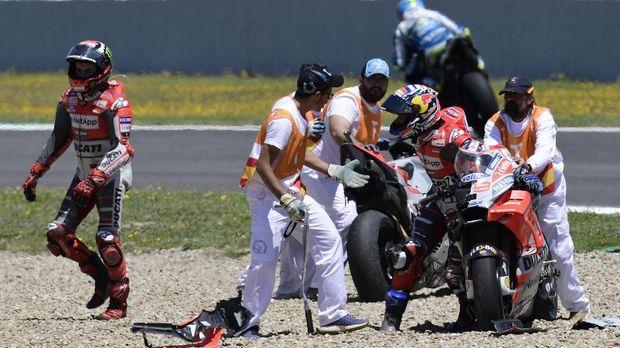 Andrea Dovizioso sempat kesal pada Jorge Lorenzo usai tabrakan di Sirkuit Jerez.