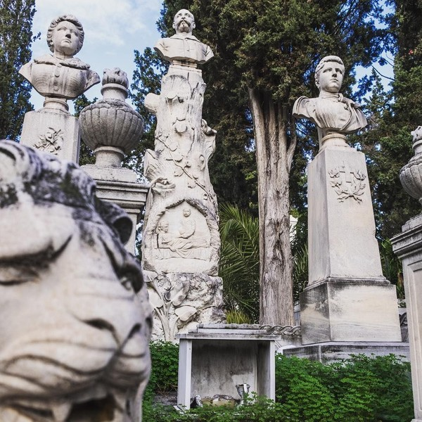 Sebuah pemakaman di Athena kerap jadi destinasi menarik bagi turis. Bernama First Cemetery of Athens, inilah pemakaman modern pertama di Athena (markus_christian_pdm/Instagram)