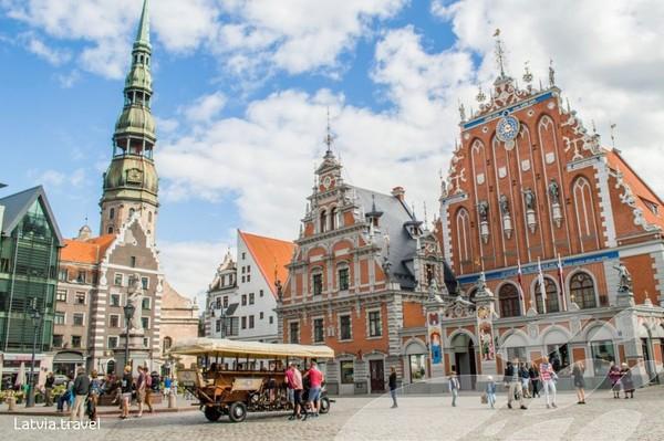 Perbatasan untuk negara-negara Baltik, yakni Estonia, Lithuania dan Latvia sebagian besar tertutup bagi wisatawan asing. Pada 15 Mei, masing-masing akan mencabut pembatasannya satu sama lain, menciptakan koridor hijau resmi atau gelembung perjalanan resmi Uni Eropa. Foto Kota Riga, Latvia (Foto: Latvia Travel)