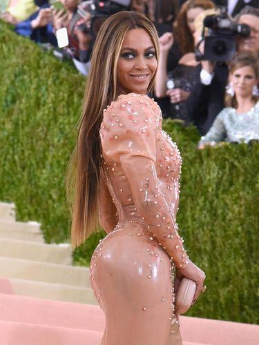 Beyonce di MET Gala 2017.