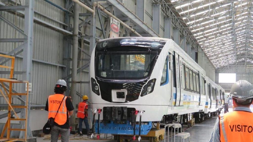Kejar Target, Gerbong LRT Palembang Dikerjakan 24 Jam