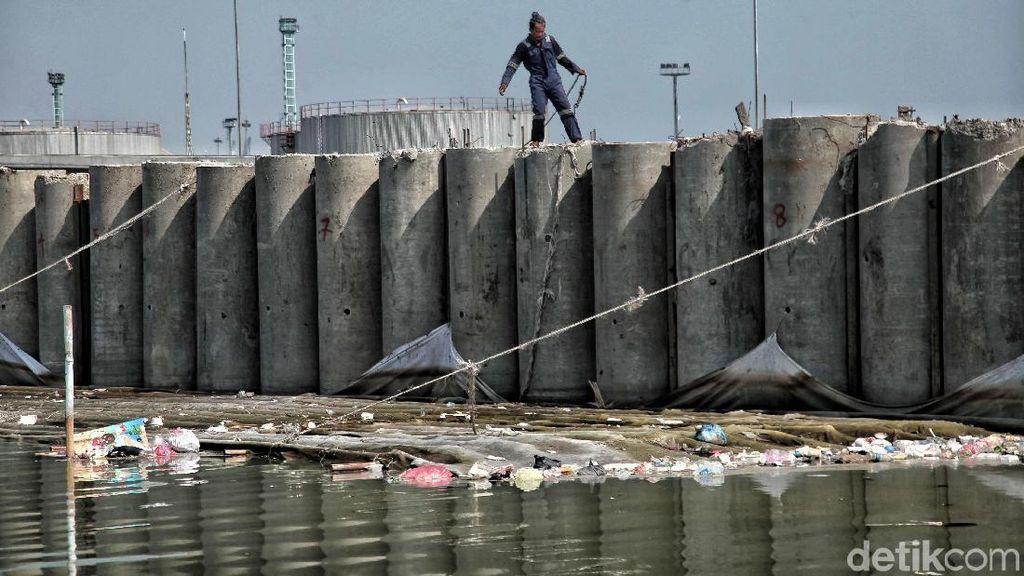 Apa Kabar Pembangunan Tanggul Pantai Jakarta? Begini Progresnya