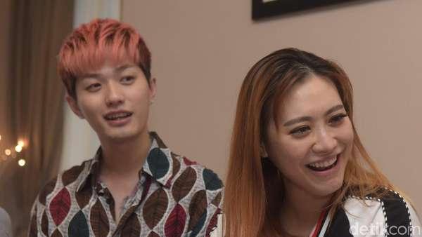 Bahagianya Lee Jeong Hoon dan Moa Aeim Sambut Putri Mungilnya