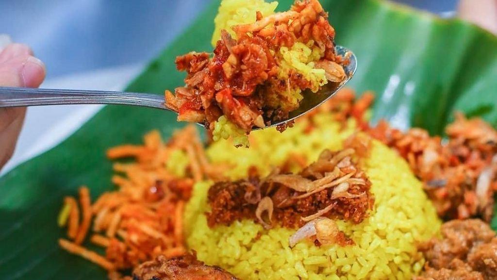 Komplet dan Sedap, Ini 10 Racikan Nasi Kuning Pilihan Netizen