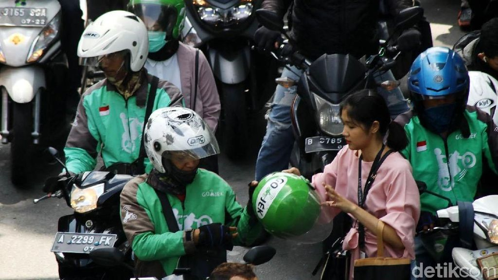 Ojek Online Gagal Jadi Transportasi Legal