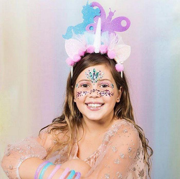 Sophia Rizzo, anak 10 tahun yang sukses bisnis glitter. Foto: Glitter Girl