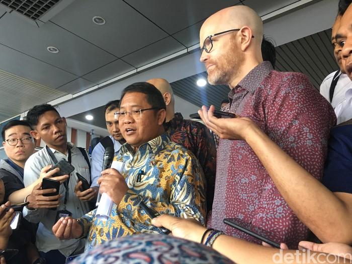 Pertemuan Menkominfo Rudiantara dengan Vice President Facebook Asia Pasific Simon Milner. Foto: detikINET/Agus Tri Haryanto