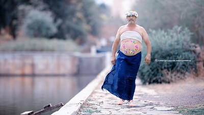 Ayah Jadi Model di Foto Kehamilan Demi Menebus Kesalahan