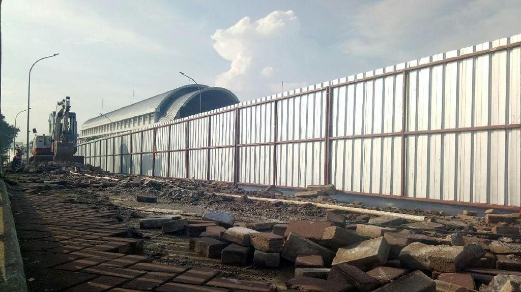 Pemerintah Pusat Turun Tangan Perbaiki Trotoar Jembatan Ampera