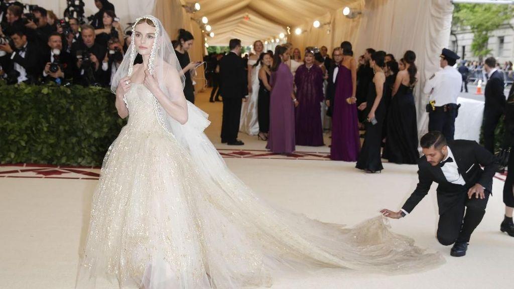 Mengenal Met Gala, Ajang Fashion yang Tiketnya Seharga Rumah