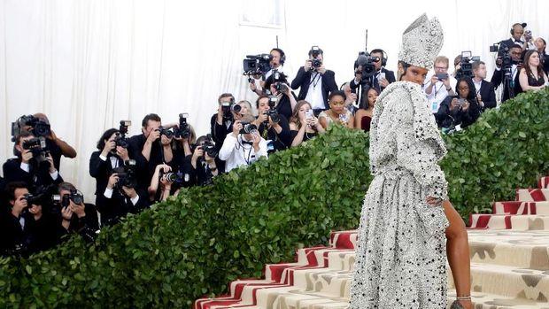 Tato di Tubuh Rihanna Jadi Kunci di Balik Kesuksesannya