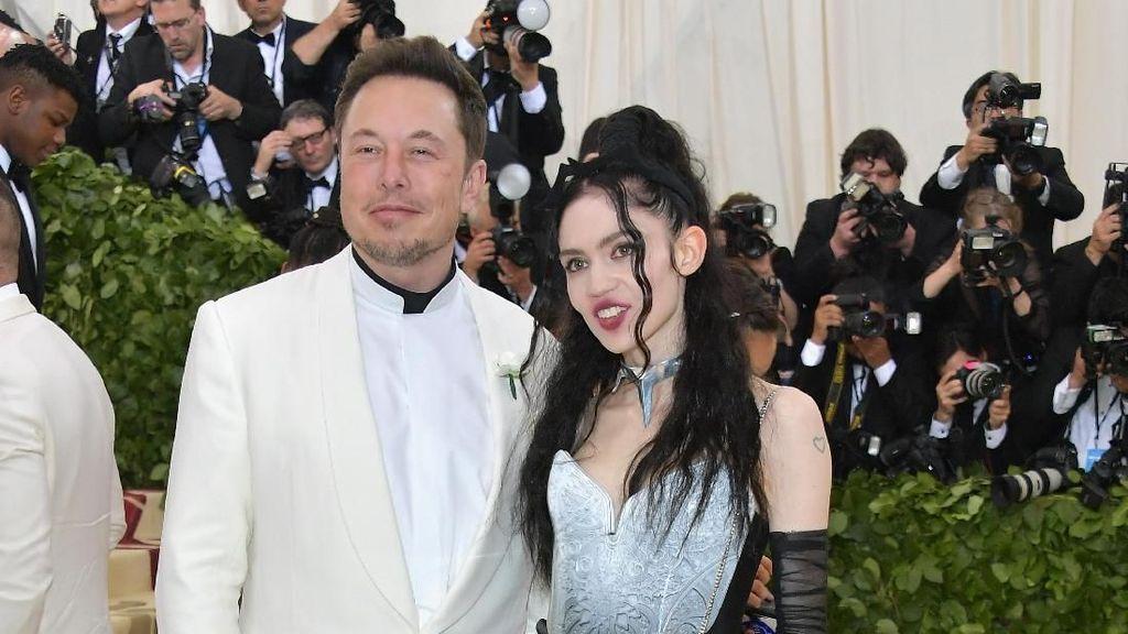 Elon Musk Hamili Penyanyi Terkenal?