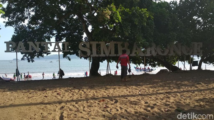 Sore-sore Main ke Pantai Simbaronce Asyik Juga Lho