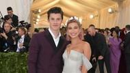 Inikah Alasan Shawn Mendes Gandeng Hailey Baldwin di Met Gala?