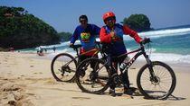 Menikmati Sisi Barat Malang dengan Bersepeda