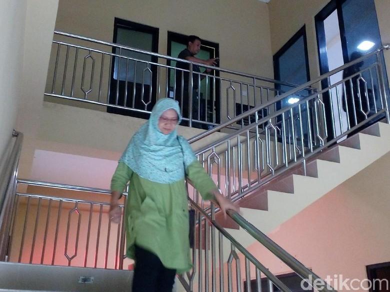 Ibu Bupati Mojokerto Diperiksa KPK, Ini Kata Penasehat Hukum