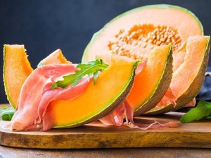 Kembali Dilelang, Dua Buah Melon Yubari Terjual Seharga Rp 655 Juta!